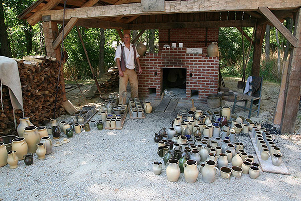 Barker Brothers' pottery in 1836 Prairietown