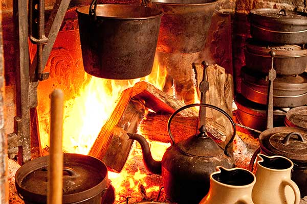Traditional Arts & Arms Workshops: Hearth Cooking
