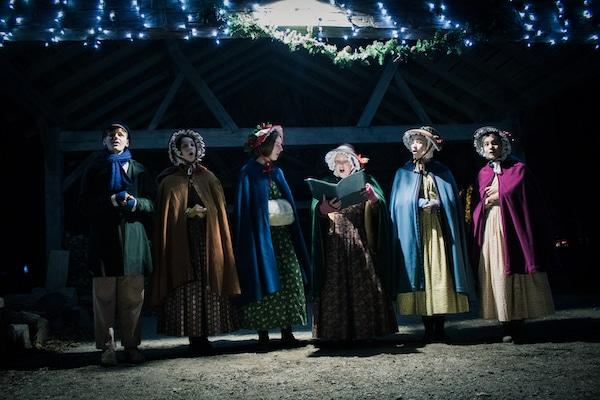 AMPH Christmas Carolers