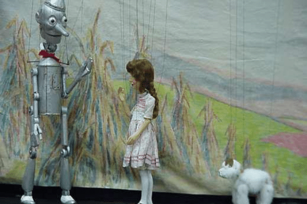 Wizard Of Oz puppet show