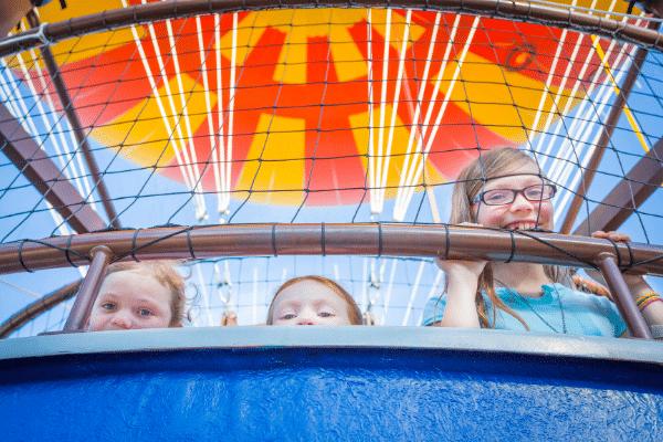 Children riding in the 2015 balloon