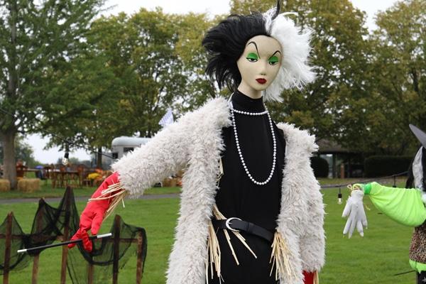 Scarecrow dressed like Cruella de Ville